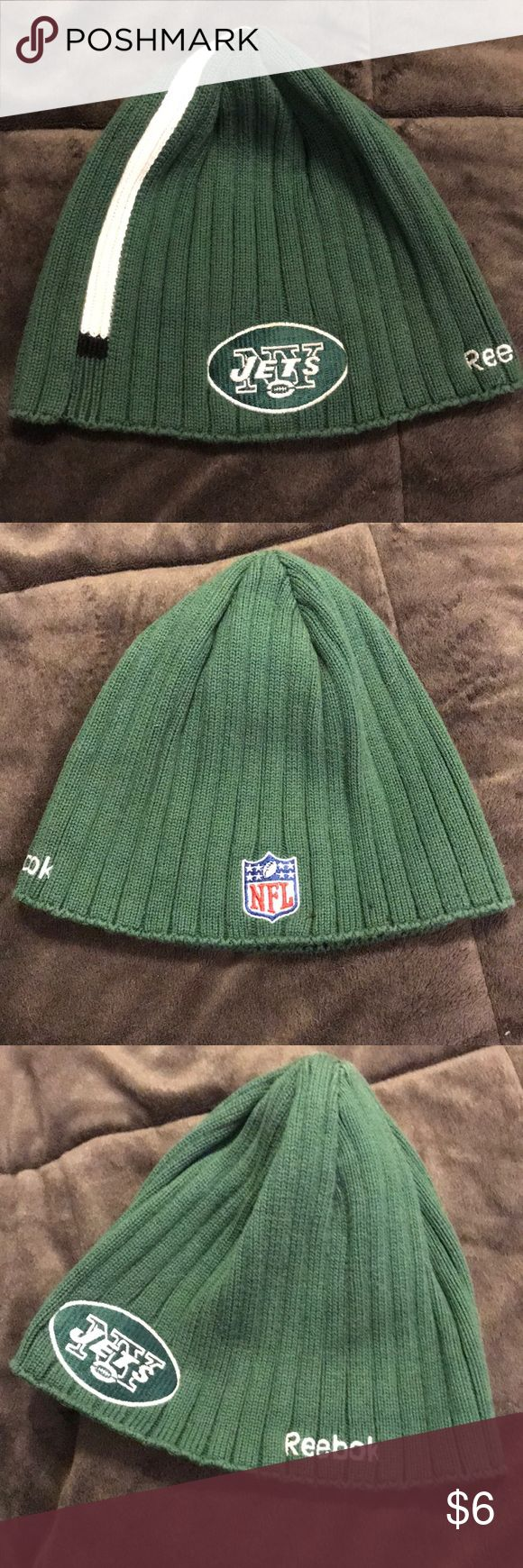 Beanie hat NY Jets beanie hat. Sweater material. Reebok Accessories Hats
