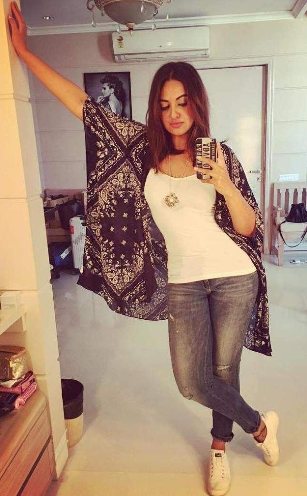 Sonakshi Sinha's latest selfie will make you drool over her