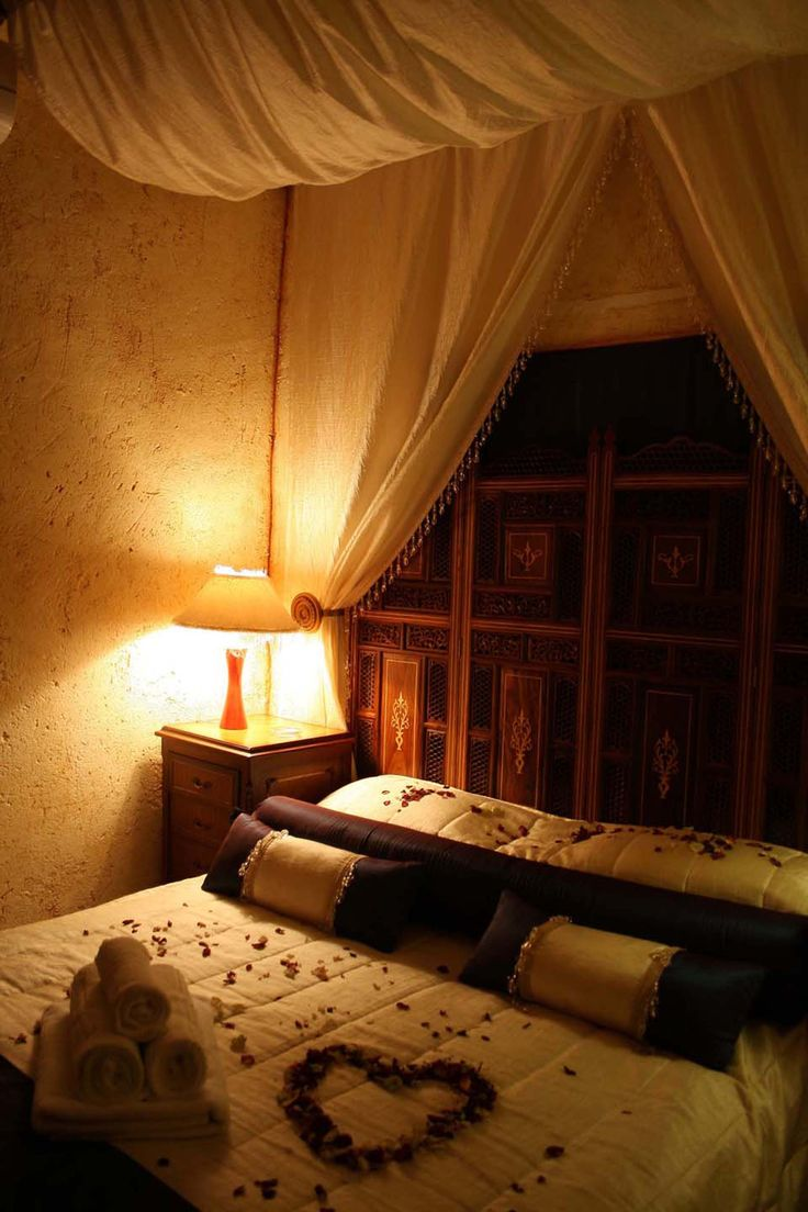 Room 10 romantic breakaway promotion at Casa Toscana Lodge