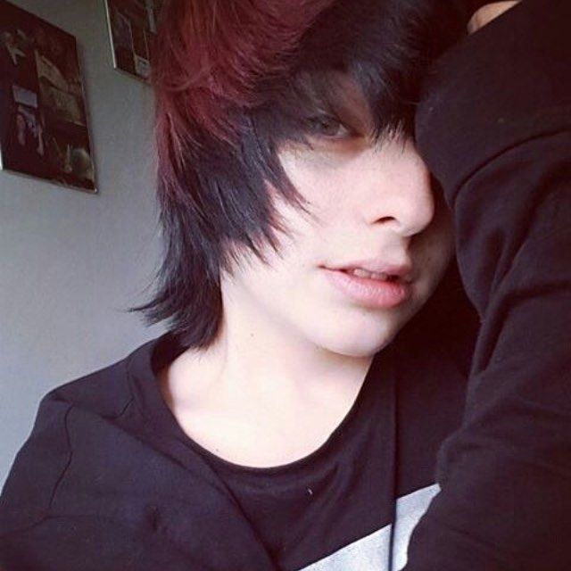 #emo #emoboy #emogirl #scene #sceneboy #scenegirl #alternative #alternativeboy #alternativegirl #goth #gothboy #gothgirl #punk #punkboy #punkgirl