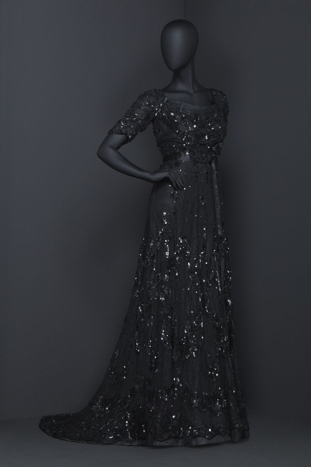 Evening dress ca. 1908