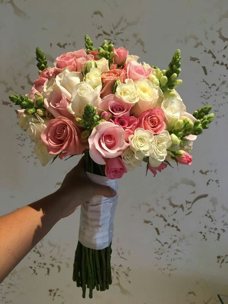 Romántic #Bouquet. #Bride #Weddings #DestinationWeddings #LoveMemories