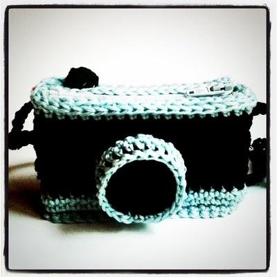 Isabelle Kessedjian: Appareil photo au crochet,