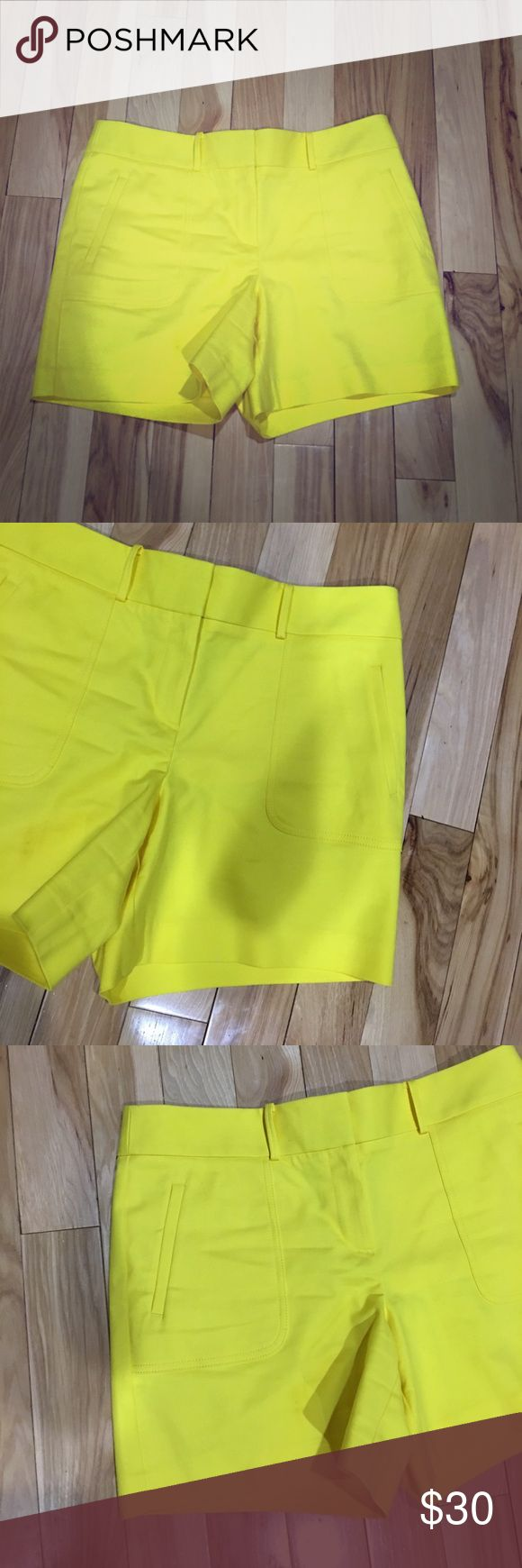 Ann taylor loft yellow shorts sz 10 nice Ann Taylor loft shorts size 10 in women's bright yellow color great for summer very comfortable and nice has a clasp and button closure in the front has some stretch to them non-smoking home fast delivery at an excellent price get them today Ann Taylor Shorts