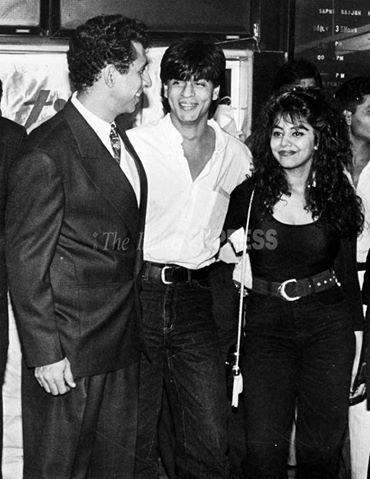 Embedded image permalink-Blast from the past: Shah Rukh Khan, Naseeruddin Shah and Gauri Khan.