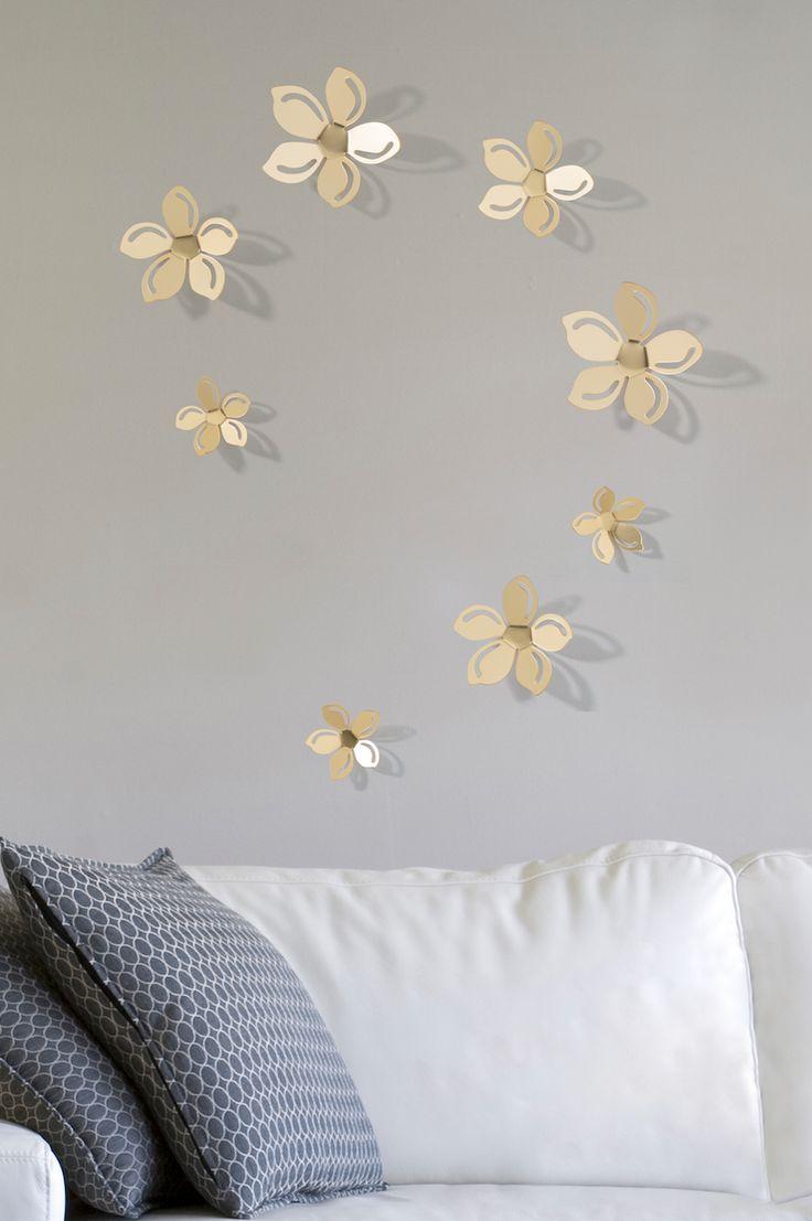 Da Un Ambiente Nuevo Con Flores 3d En Color Dorado