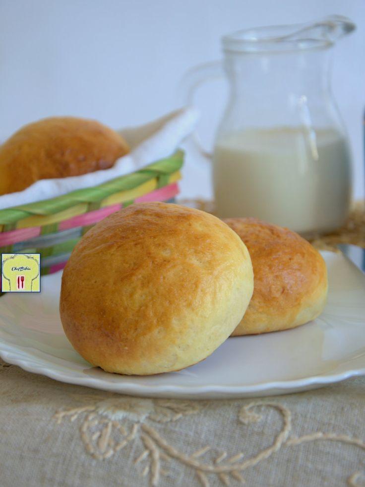 PANINI AL LATTE, morbidi e deliziosi bocconcini di pane dolce, ideali a colazione, a merenda o per feste o buffet, ricetta facile con un metodo di cottura particolare.