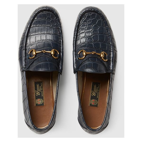 Gucci 1953 Horsebit Crocodile Loafer (2,768,125 KRW) ❤ liked on Polyvore featuring men's fashion, men's shoes, men's loafers, crocs mens shoes, mens crocs loafers, mens crocodile shoes, mens loafer shoes and mens blue loafers shoes