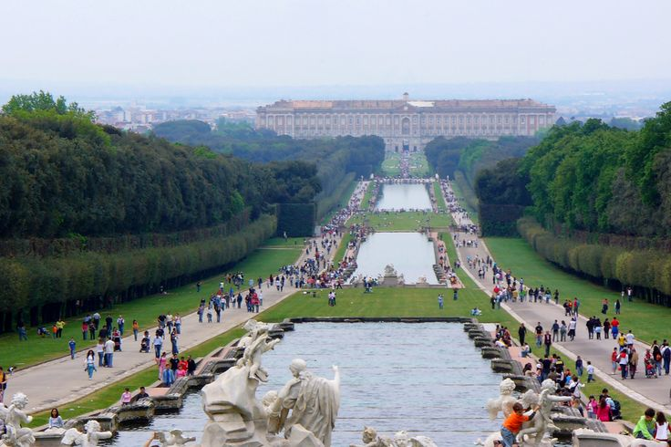 #Caserta, the #RoyalPalace and #Park - #Campania -  Commissioned by Charles III of Bourbon in the 1700s, Luigi Vanvitelli planned this palace, a triumph of the Italian Baroque and one of the most famous and important works by the Neapolitan architect. Everyday visitors are left enchanted by the beauty of its interiors and by the magnificence of its exterior.  #Italy #ItaliaIT #UNESCO