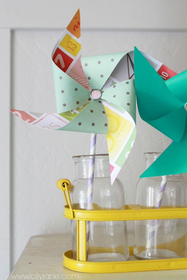 Summer decor paper pinwheel tutorial.