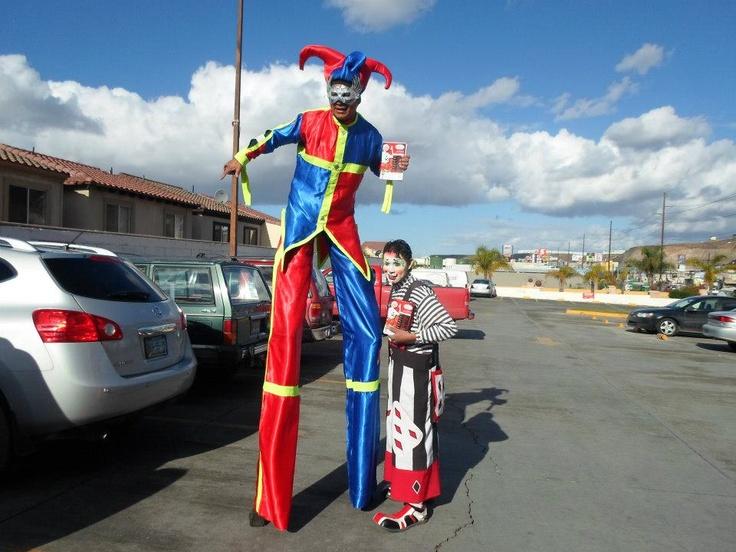 zanqueros en tijuana trajes azul y rojo
