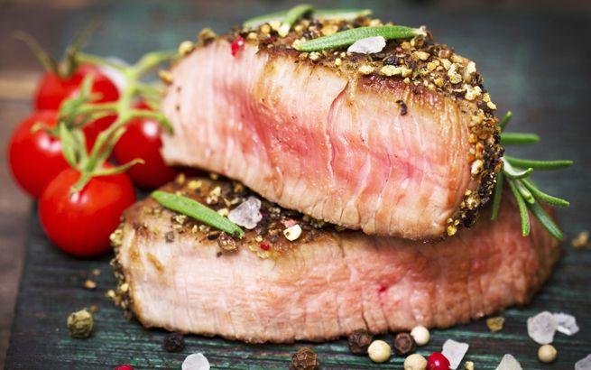 Ein gutes Stück Rinderbraten gilt auch heute noch in vielen Familien als das beste Mittagessen am Sonntag. Wenn sich die Familie Zeit nimmt, sich um den Esstisch zu versammeln um gemeinsam zu essen und zu plaudern, dann ist Bratenzeit.