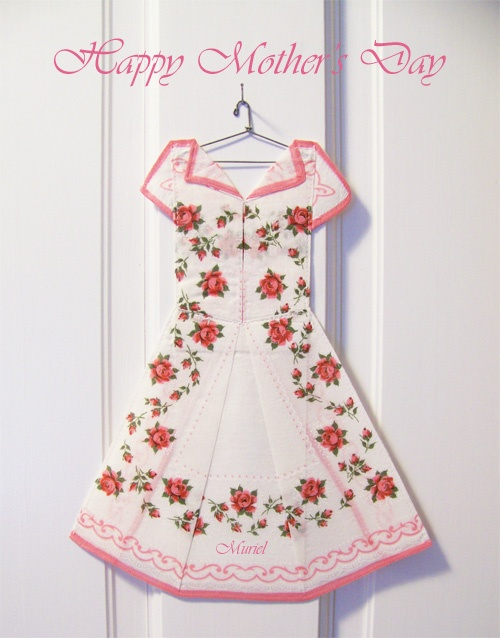 so very cute! The Hanky Dress Lady: Quilts E I E I E I O', Jurk Dresses, Dresses Cards, Hanky Dresses Lady, Hankie Dresses, Lady Quilts, Ouma Quilts, Handkerchiefs Dresses, Hanky Quilts