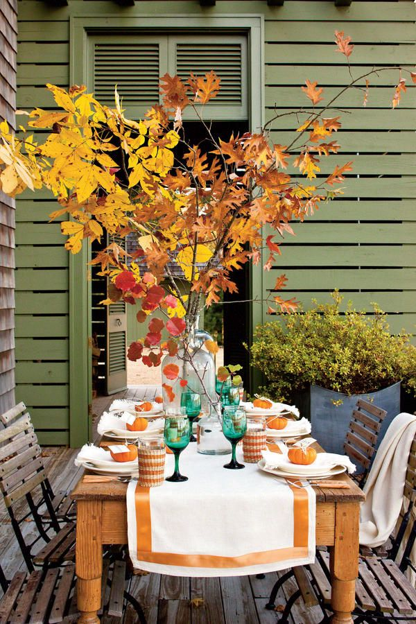 Autumn Table Setting Ideas rustic outdoor wedding fall reception table decor wedding table setting chair Fall Table Setting Fabulous Fall Decorating Ideas