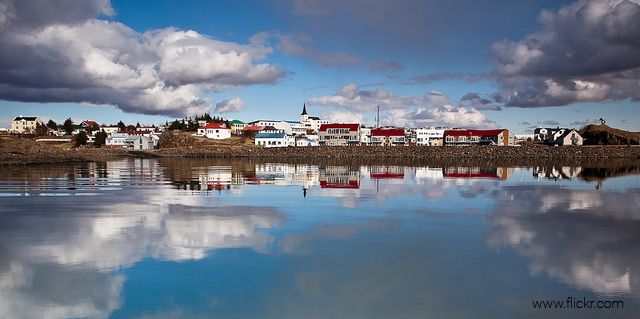Borgarnes is a picturesque little town on a rocky peninsula, with a great view in all directions and a lot of fun things to see and do! #borganes #iceland #town