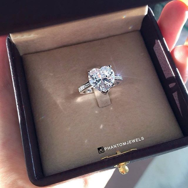 Gorgeous! This totally made our day! ❤  Double tap & TAG your sweetheart ...  .  .  Ring from @phantomjewels  .  .  #OhSoPerfectProposal #engagement #ring #proposal #ido #marryme #diamond #bling #weddingring #engaged #promisering #ringselfie #ringsofinstagram #showmeyourrings #diamondring #jewelrydesigner #isaidyes #marriagering #rosegold #bvlgari #tiffany #piaget #bridal #xoxo #couplegoals #ringinspiration #fiance #jewelers