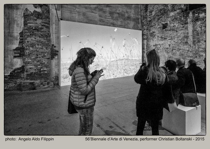 https://flic.kr/p/LnD9Xo | 56' Biennale d'Arte di Venezia, performer Christian…