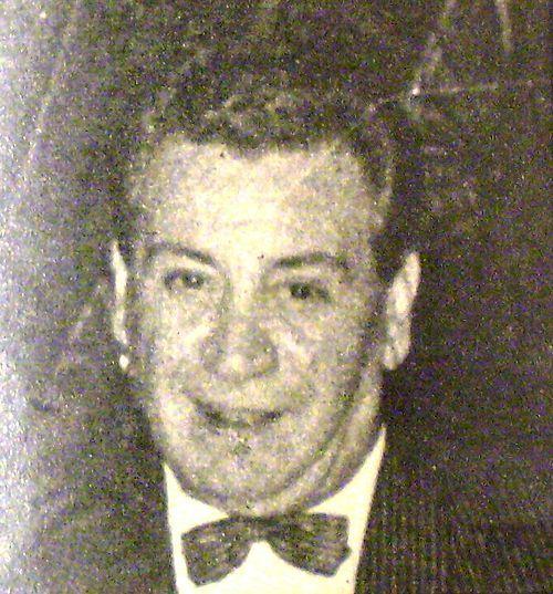 Alfredo de Angelis (2 de noviembre de 1912 - 31 de marzo de 1992) fue un músico de tango, que se destacó como director de orquesta y pianista, y también como compositor. Muy representativo del período conocido como la edad de oro. Su orquesta fue una de las más populares del tango y la central del Glostora Tango Club, un programa de radio musical de quince minutos, que fue el más popular de la radiofonía argentina por muchos años.