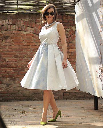 My white skies   what to wear in Paris   get in my closet   wedding   knee dress  