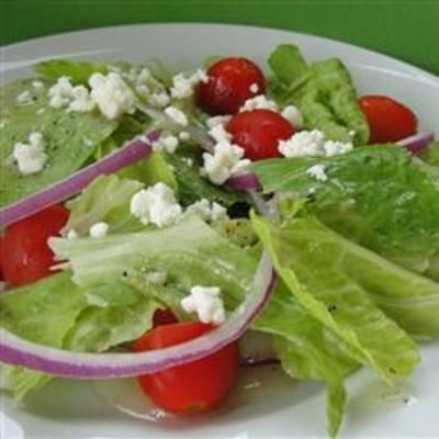 Salata.  Simple.  Yum.: Salads Simple, Recipe Food, Food And Drink, Cooking Salata, Summer Salad, Recipes Salads, Awesome Pin, Food Cooking
