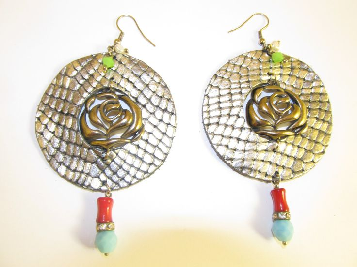 Handmade leather earrings (1 pair)  Made with silver/black leather, metal flower, semiprecious stones and glass beads.