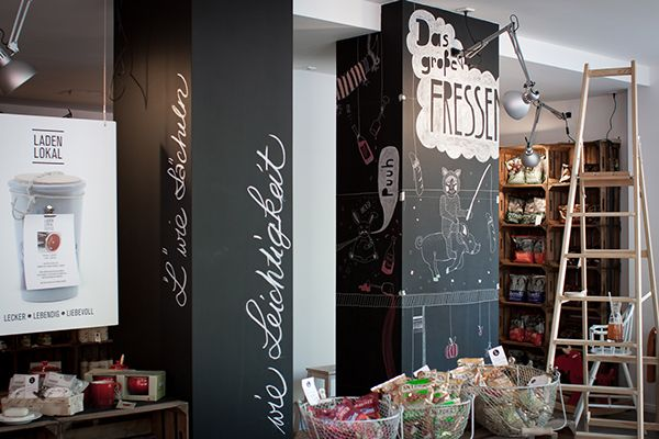 Chalk illustrations for the restaurant and lovely shop 'LADENLOKAL' in Hanover.