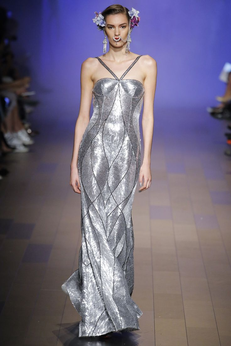 Naeem Khan Spring 2018 Ready-to-Wear Undefined Photos - Vogue