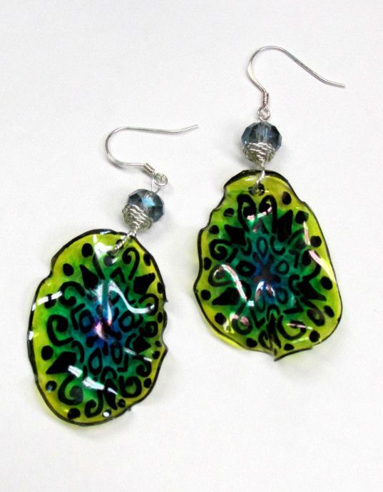 Recycle Plastic Bottle Into Earrings Tutorial: these earrings are made from a recycled seltzer plastic bottle, they were simple and fun to make.