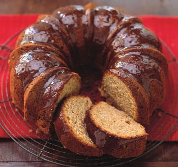 Apple spice cake, Brown sugar glaze and Glaze recipe on Pinterest