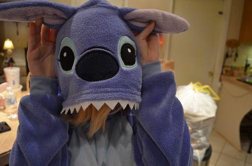 stitch onsie. neeeed.♡