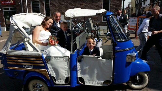 Blauwe trouwtuktuk van mytuk.nl