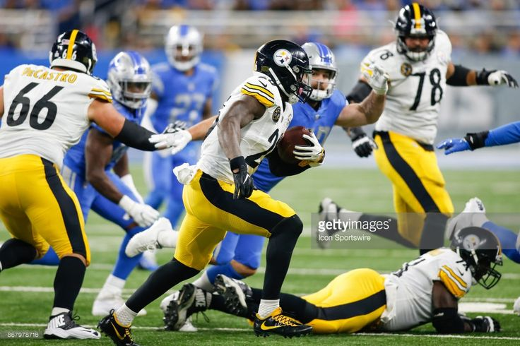 News Photo : Pittsburgh Steelers running back Le'Veon Bell...