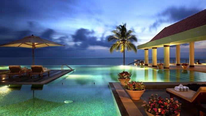 The Leela Kovalam - India. Il lussuoso hotel The Leela Kovalam vanta una splendida posizione su una scogliera con vista panoramica mozzafiato sulla spiaggia di Kovalam, nello stato meridionale del Kerala. #india #kerala #ayurveda #relax #cura #benessere
