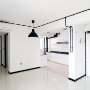 飯廳和廚房 我們把Ikea的燈噴成了黑色。 - DECOmyplace Projects
