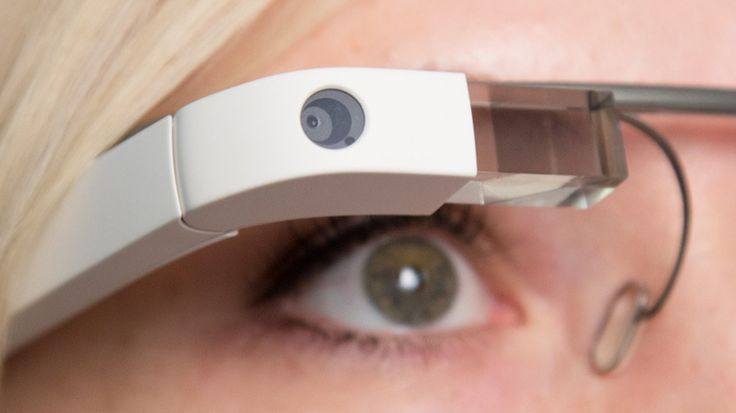 Google Glass web development can take online shopping to a whole new level. The shopping apps that have been rising in popularity include live feed features that let the possible shopper compare price differences across marketplaces.