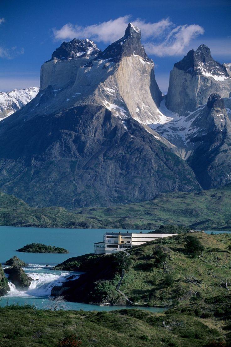 Explora Hotel in Patagonia / Germán del Sol + José Cruz © Guy Wenborne