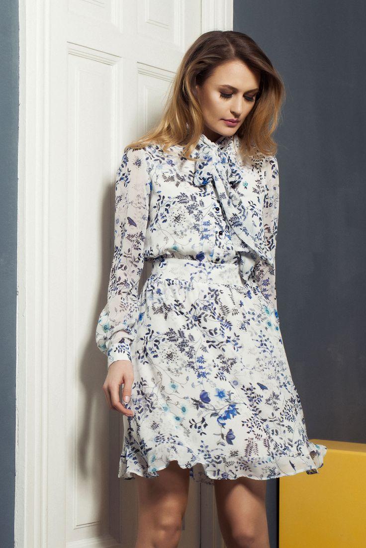 Comanda online, Rochie din voal PrettyGirl albastra cu imprimeuri florale. Articole masurate, calitate garantata!