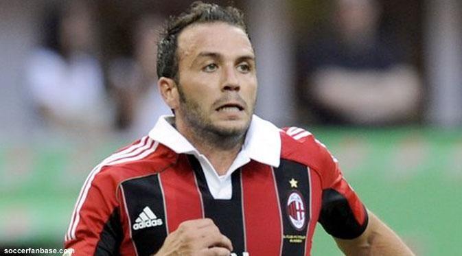 Pazzini akan dipinjamkan ke klub lain di bursa transfer musim dingin.