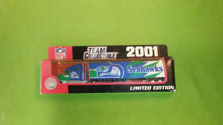 White Rose 2001 Team Collectible NFL Seattle Seahawks  tractor trailer 1/64  #WhiteRose #Kenworth