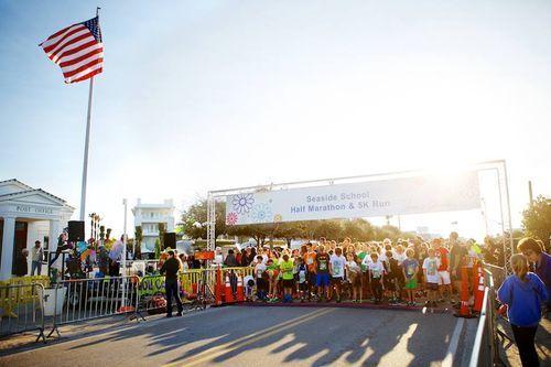 vera bradley presents seaside school half marathon & 5k run on 30a in seaside, florida photo by cocoa L. photography