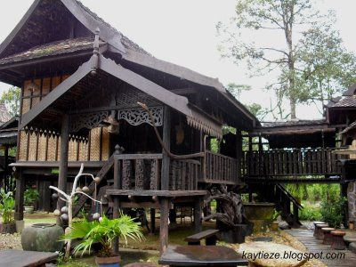 A traditional terengganu malay house malaysia time for Architecture design malaysia house