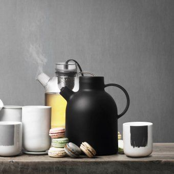 #Thermos for #coffee or #tea, a unique traveling companion, so that at any moment you can regale a hot, aromatic drink. #menu #menucopenhagen #decosalon #coffeelovers #coffeeaccessories #tealovers