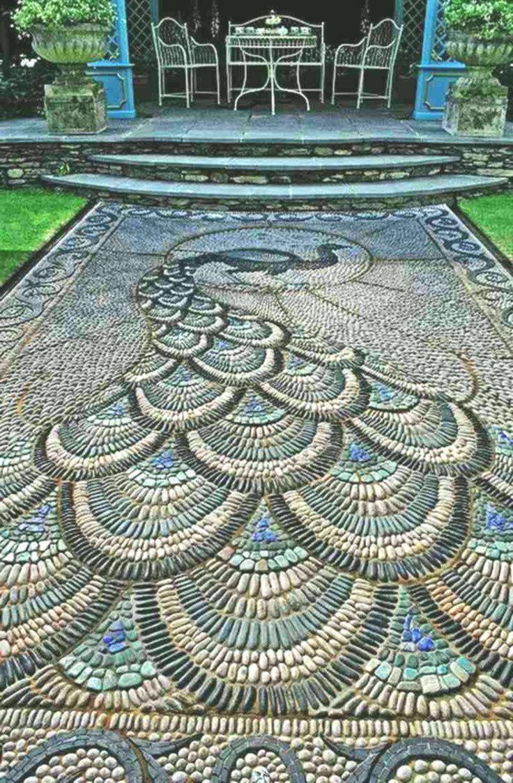 Mosaico Di Ghiaia Nel Giardino Impostato Per Graziosi