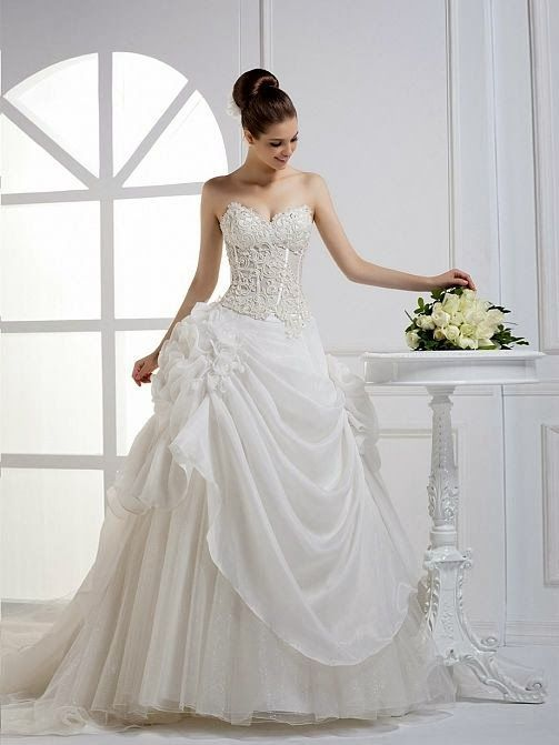 Strapless Organza Bridal Gown For Fall Fashion