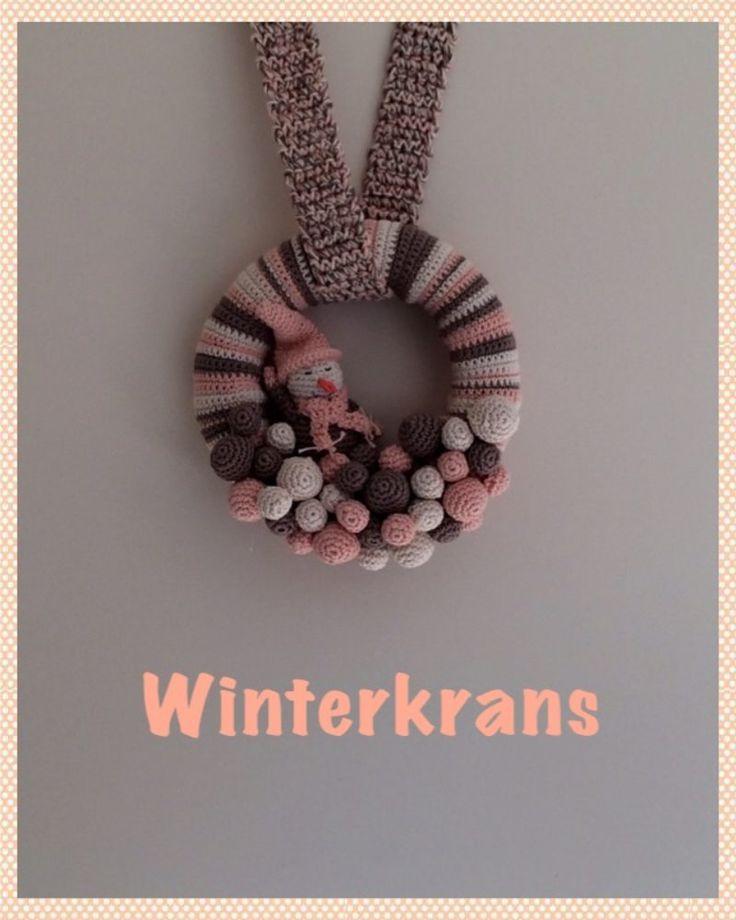 Winterkrans, leuke decoratie-idee om je huis op te vrolijken - Breiclub.nl