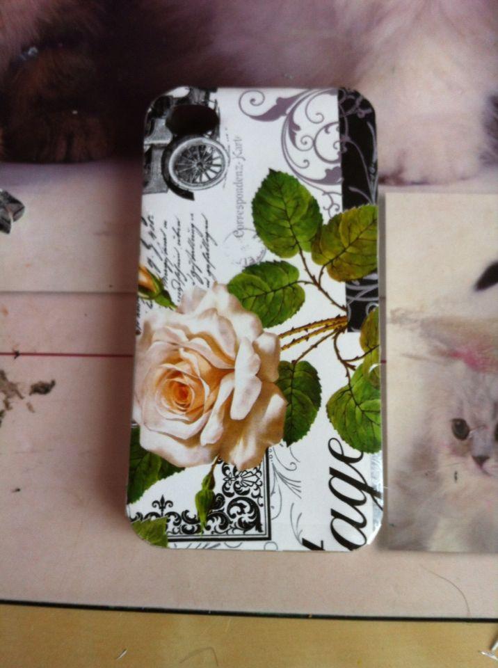 Kryt na mobil vytvořený z plastového základu a balícího papíru :)