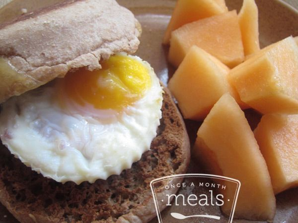 Egg and Pepper Sandwich recipe - perfect for freezer cooking to have on hand for busy mornings. #breakfast #freezercooking #sandwich