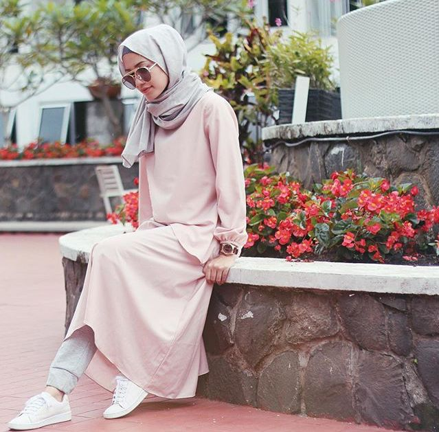 Pinterest @eighthhorcruxx. Blush pink abaya