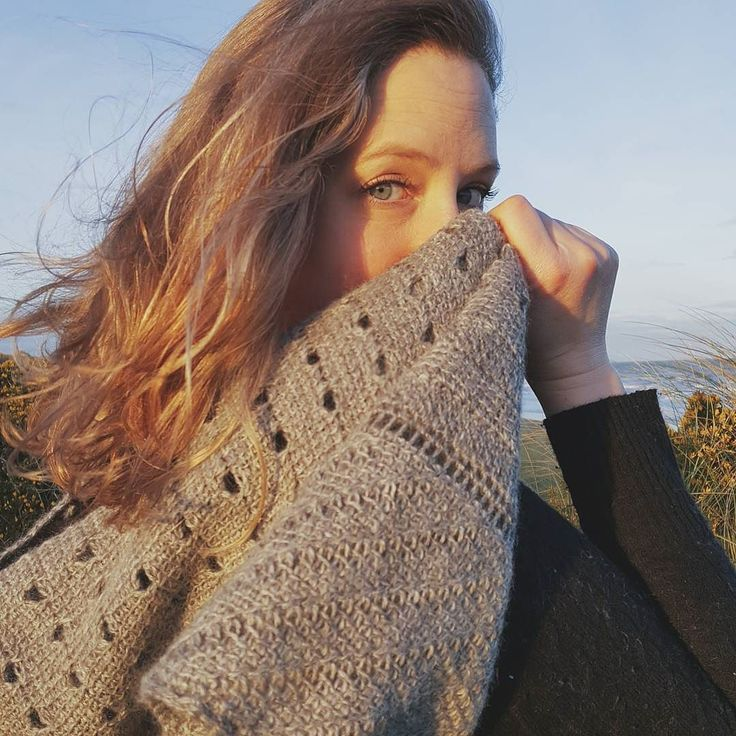 I speant my Sunday with the fabulous @aoibheni and her Nuada shawl on the beach. Windy and oh so cold but isn't she stunning! How was your Sunday?  If you want to hear more from Aoibhe you can catch her designer interview on the blog.