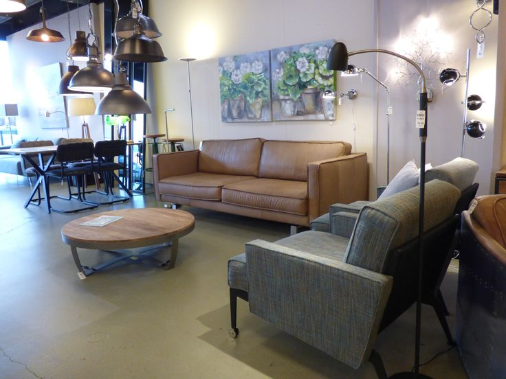 Home interior lights / ONLINE SHOP : click on this LINK ( www.rietveldlicht.nl ) Verzendkosten gratis . Showroom winkel . Klik 2 keer op de foto voor een hele grote foto .  .  Woonkamer verlichting , vloerlampen , leeslampen ook led ... Keuze uit meer dan 3000 artikelen in verlichting in onze webwinkel . Ook meubels, maar die kan je alleen maar bezichtigen en bestellen in onze winkel ( schilderijen, eettafel stoelen , eettafels , banken ) .